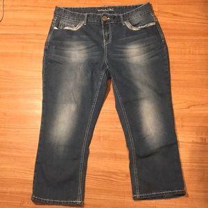 Maurice's curvy Capri crop jeans size 16 R 35x24